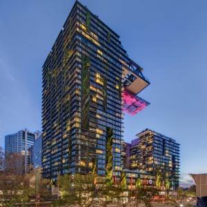 Hydropone verticale tuinen in architect Jean Nouvels duurzame wolkenkrabber Sky at One Central Park, Sydney, Australië