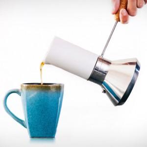 De mokkapot is De Nieuwe Espressomachine