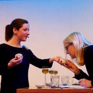 De kandidaat, de thee en het jurylid