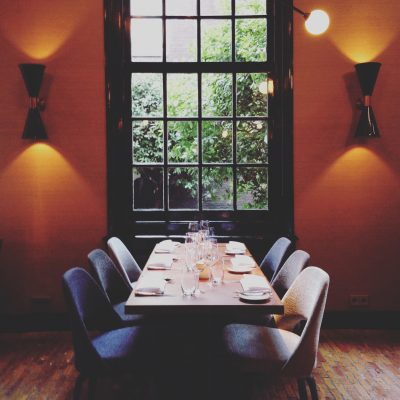 Terug naar een dichte eetkamer? © Marjan Ippel