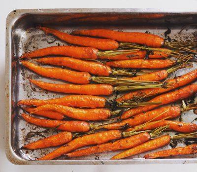 Als buikspek slow roasted wortels; © Marjan Ippel