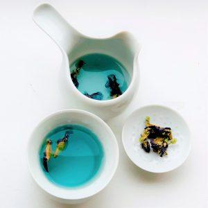 Blauwe thee van de kittelbloem; © Marjan Ippel